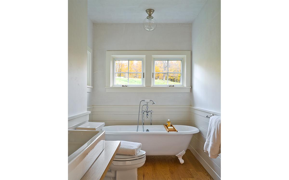 VT Farmhouse Bathroom
