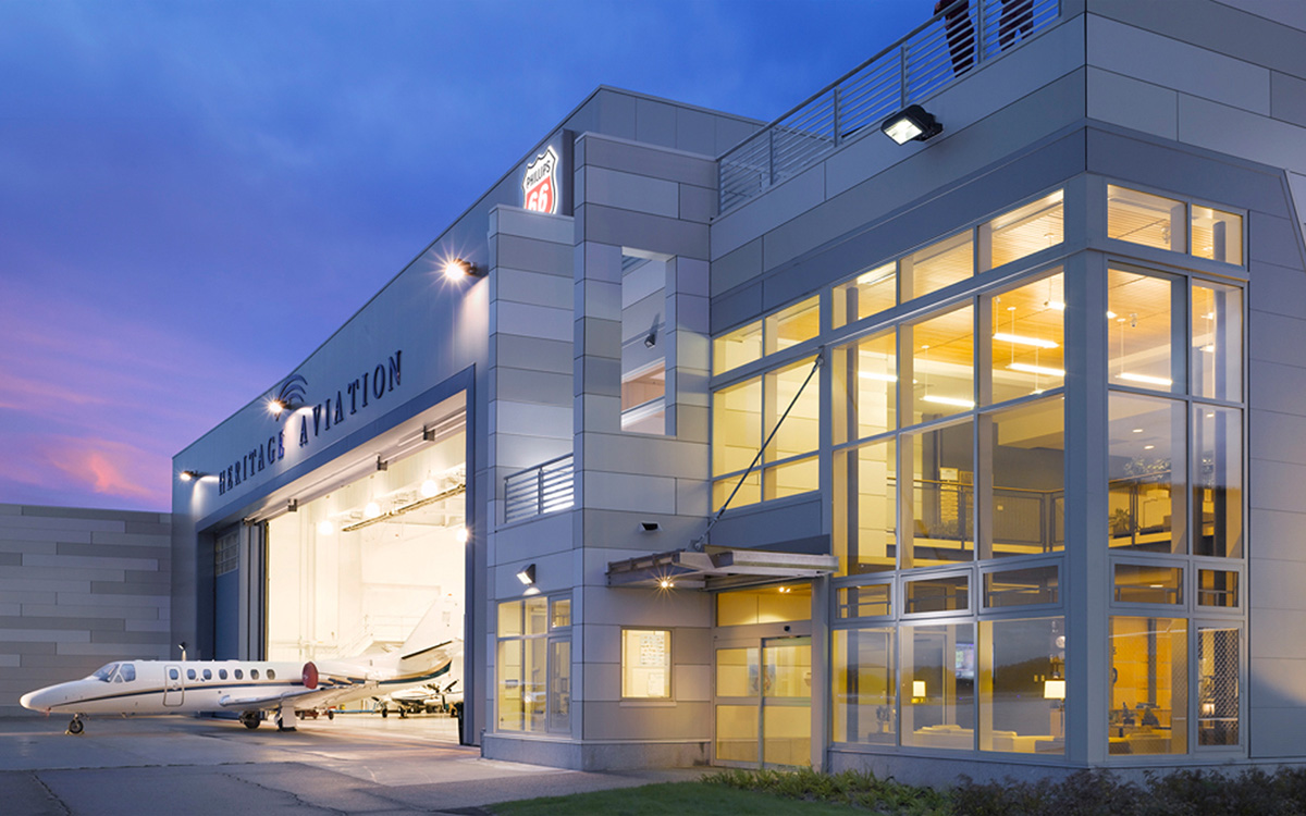 Heritage aviation heritage flight aviationtruexcullins for Architecture hangar